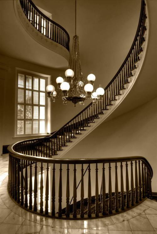 curvedstaircase_muxhome